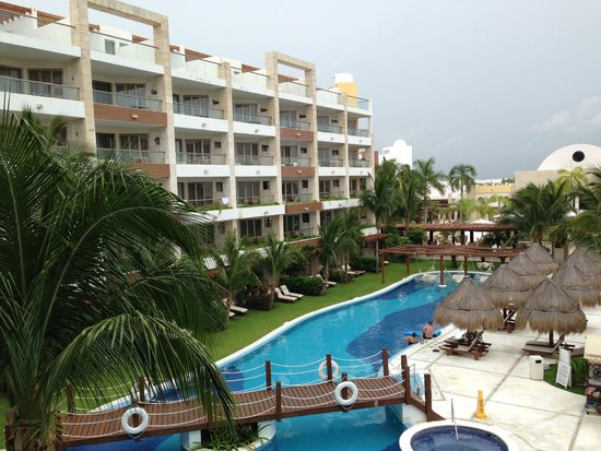Excellence Playa Mujeres: View from our room in building 8