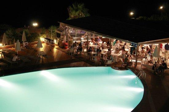 Blue Marine Resort & Spa : Vista Mar - view to the pool