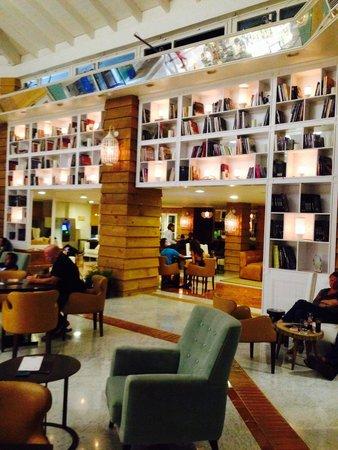 SENTIDO H10 Playa Esmeralda: Bar y Hall H10 Playa Esmeralda