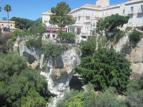 Grand Hotel Villa Politi: The hotel and caverns below