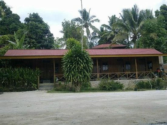 Ue Datu Cottages: Tampak Depan