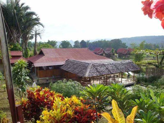 Ue Datu Cottages: hall and coffee shop