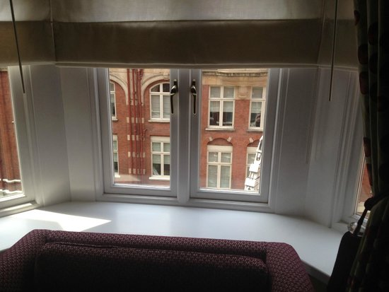 St. Ermin's Hotel, Autograph Collection: Window Alcove