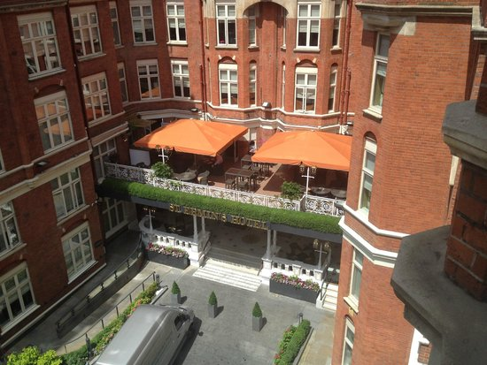 St. Ermin's Hotel, Autograph Collection: View from my room of the outdoor terrace where I watched sever 1st Round World Cup matches