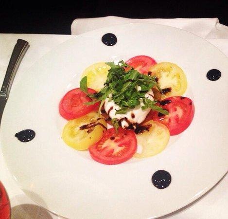 Gina Ristorante : Burrata aux trois tomates, Pesto maison et balsamique