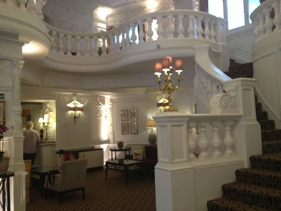 St. Ermin's Hotel, Autograph Collection: Lobby Staricase