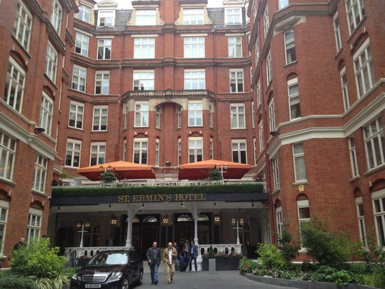 St. Ermin's Hotel, Autograph Collection: My parting view as I head to Paddington Station for Dover/Callais