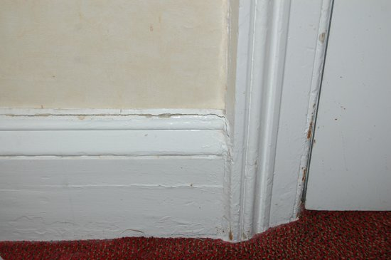 The Clifton Hotel - Scarborough: skirting boards and paint work