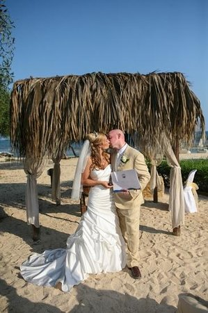 Thalassines Beach Villas Hotel: Just Married!