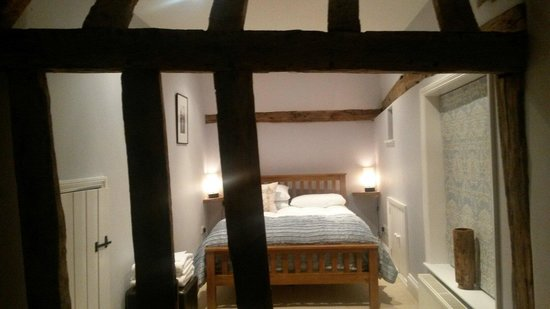 The Gables B&B Hadleigh: Ridiculously comfy bed!