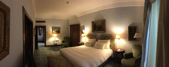 Pestana Palace Lisboa Hotel & National Monument : chambre avec dressing