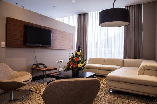 DoubleTree by Hilton Hotel Bogotá - Parque 93: Suite