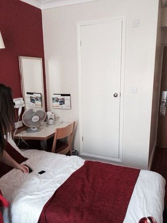 Comfort Inn London - Westminster: twin room