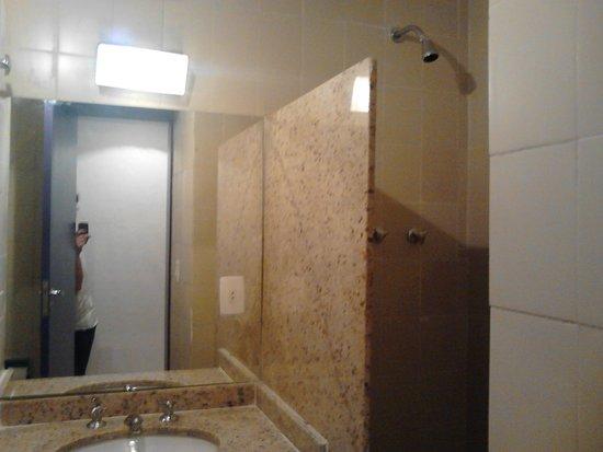 Center Hotel: Banheiro sem boxe