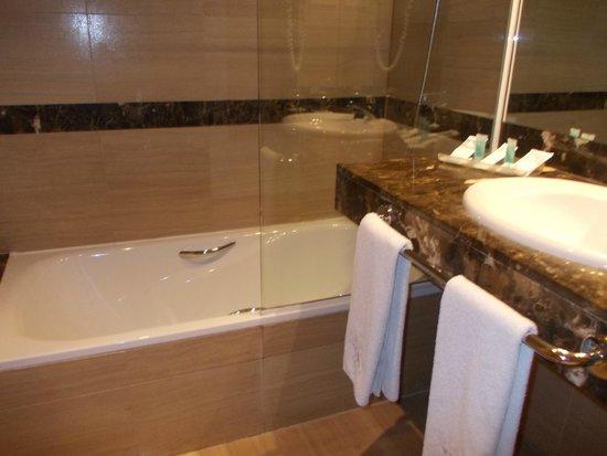 Eurostars Hotel Barbera Parc: Baño