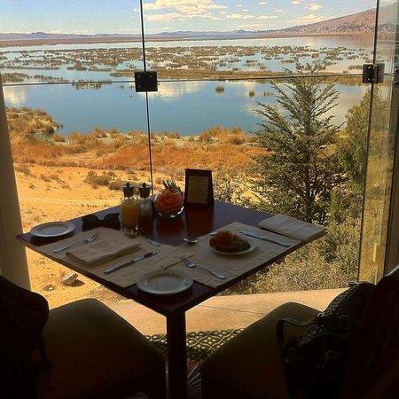 Libertador Lake Titicaca: la vista desde el desayunop
