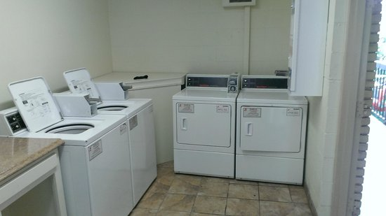 Park Inn by Radisson Harrisburg West : Washers and Dryers