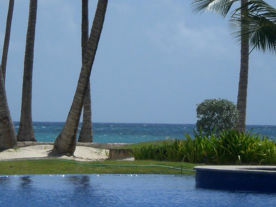Iberostar Grand Hotel Bavaro: pool/beach