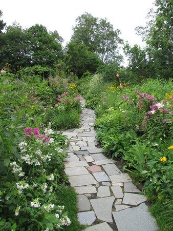 Ueno Farm: garden path