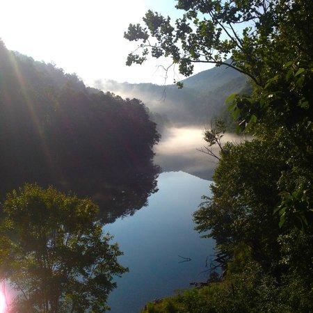 Fontana Village Resort : Little Tennessee River