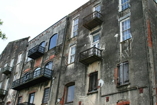 Savannah Historic District : River Street building