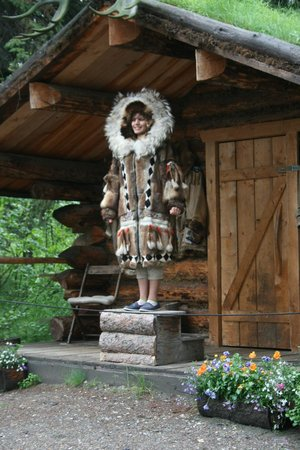 Riverboat Discovery : Beautiful Alabaskan woman bringing the sunshine in the $20k parka