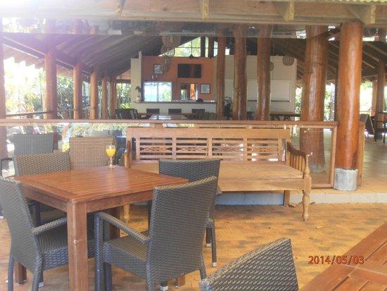 Eco Village Resort Mission Beach : dining