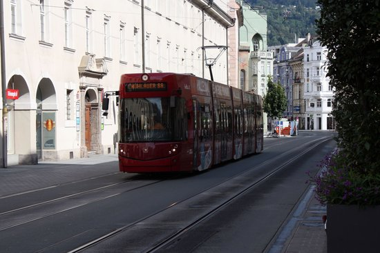 Pension Zillertal: Tram linea 1