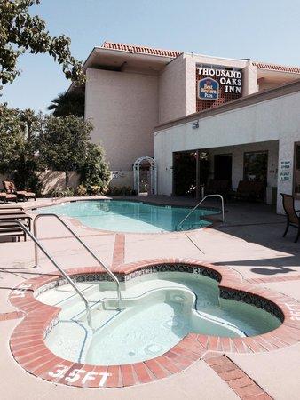 BEST WESTERN PLUS Thousand Oaks Inn : Pool, Spa & Best Western Sign