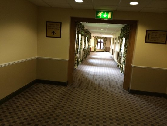 Dunston Hall : Long hallway