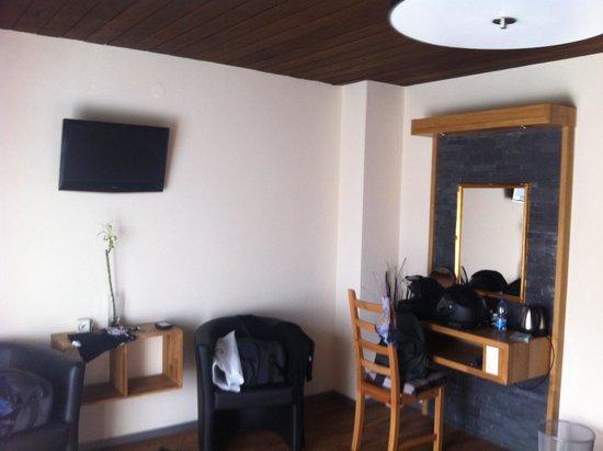 Dahoam by Sarina - Hotel & Suites: Camera da letto