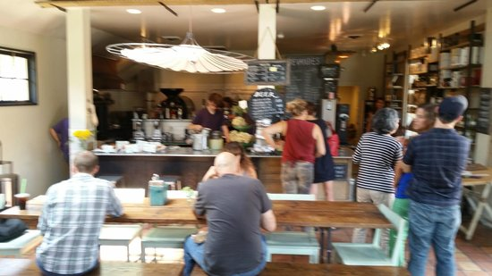 Six Depot Roastery and Cafe : Order at the counter and find yourself a seat.