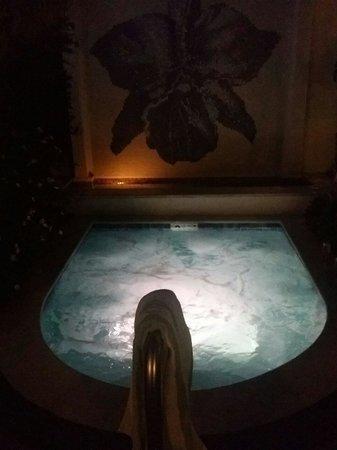 Orchid Key Inn: Jacuzzi