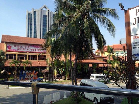 Hop on Hop Off Bus Kuala Lumpur: ダブルデッカータイプのバスに乗りました!