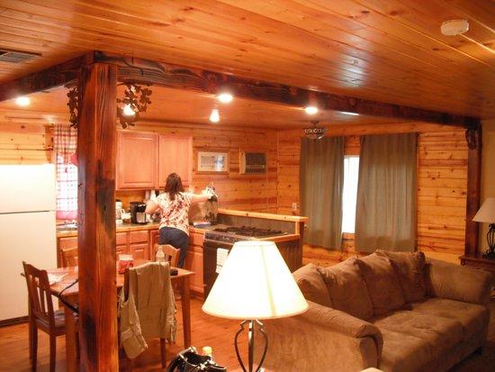 Lake View Lodge: Kitchen