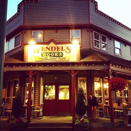 Wendel's Bookstore & Cafe : Such a nice building.