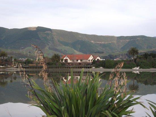 The Honest Lawyer Hotel: The Waimea Estuary