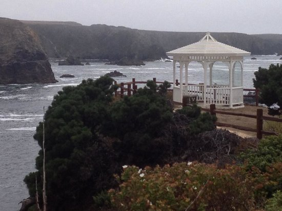 Heritage House Resort: Gorgeous sea cliff setting