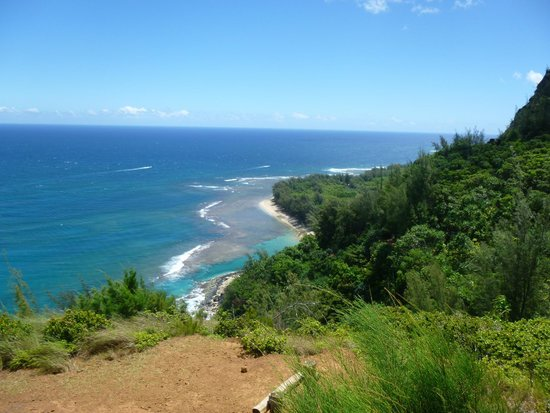 Tunnels beach view - Kalalau trail