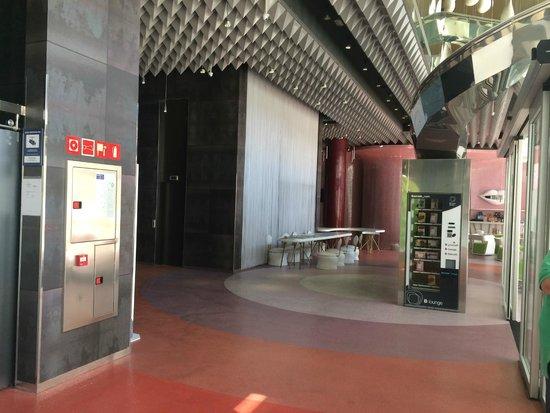Barcelo Malaga: Hall de entrada