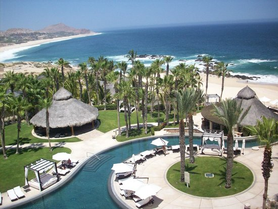 Hilton Los Cabos Beach & Golf Resort: Room view of pool & beach below