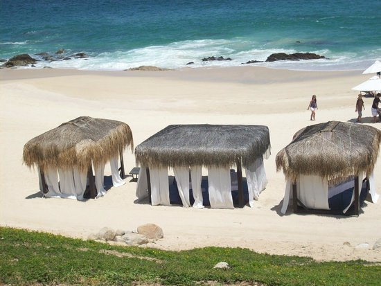 Hilton Los Cabos Beach & Golf Resort: Cabanas on the beach