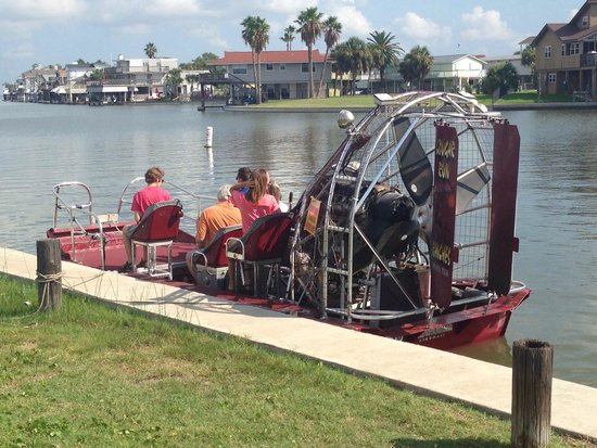 ‪Capt. Hal Newsom's Airboat Tours‬