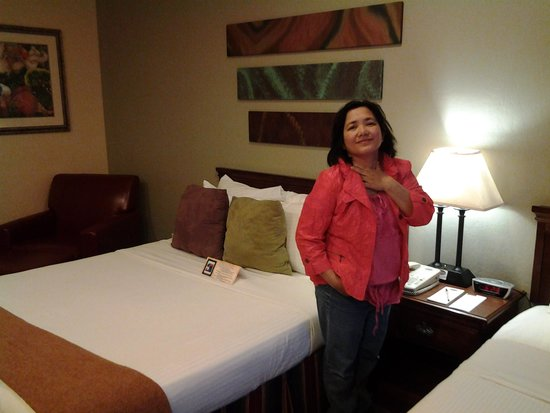 Sedona Real Inn and Suites: my wife rach inside the suite