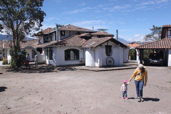Sierra Alisos, hotel de campo: Vista de la casa