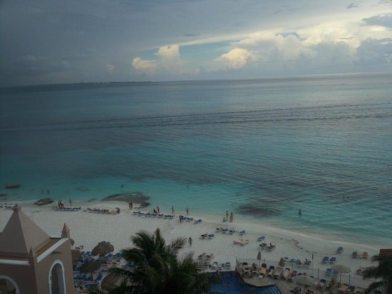 Hotel Riu Cancun: View from balcony