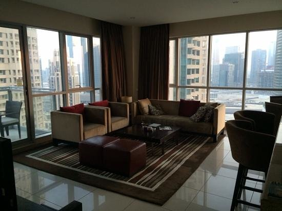 Ramada Downtown Dubai: 1 bedroom city view - lounge area