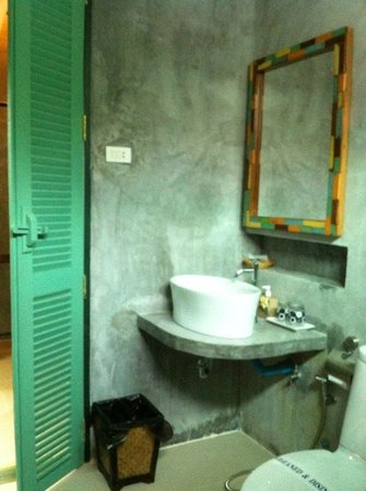 The Gleam Resort: Bathroom with shower