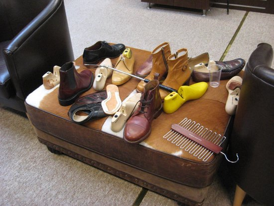 Robinson's Shoemakers: Shoe assembly.