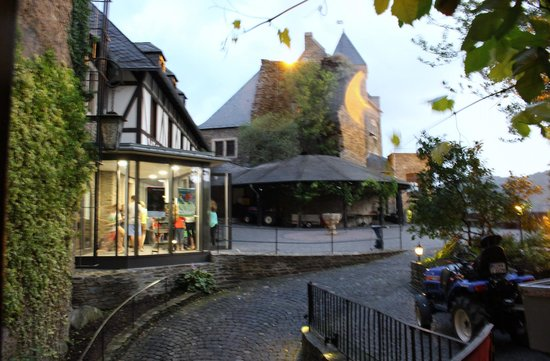 Castle Hotel Auf Schoenburg View From Courtyard